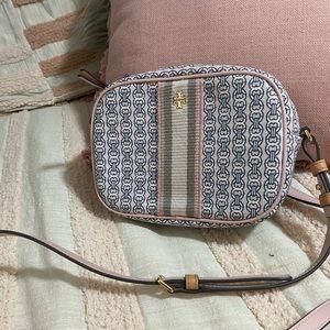 Tory Burch Gemini Link canvas wristlet-costal pink bag